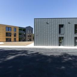 Des espaces modulables selon le besoin : espaces privatifs et lieux de vie collectifs cohabitent à merveille dans ces hébergements périgourdins.